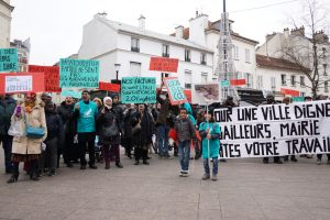 Photo Alliance Citoyenne Aubervilliers place de la Mairie marche pour des logements dignes et salubres le 6 decembre 2017