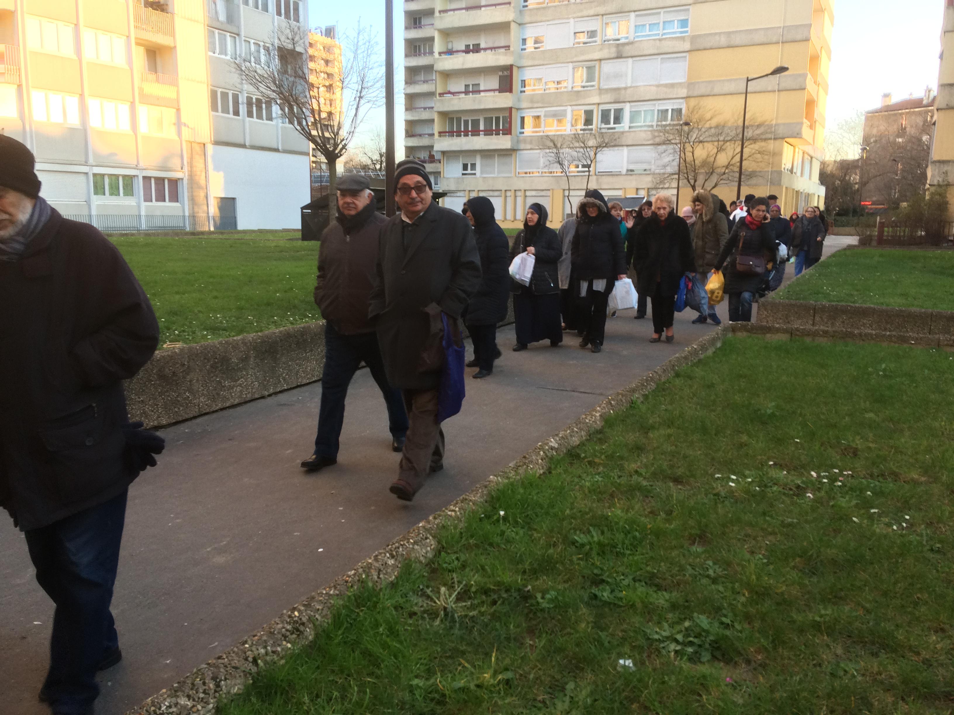 Les habitants d'Aubervilliers ramènent leurs poubelles à l'OPH… et obtiennent une 1ère victoire